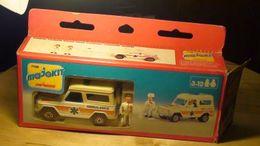7100 mercedes benz ambulance model trucks 3afd7b5e 6122 498b 9294 ccf24b2e8d78 medium