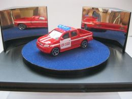 S.o.s. assortment bulgaria toyota hilux 2005 model trucks d89febc4 da54 449b ab89 31f91e648163 medium