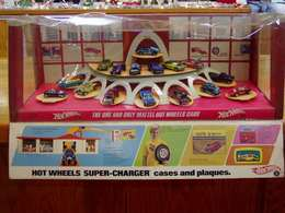 Hot Wheels Super-Charger Cases and Plaques Shop Display   Display Cases
