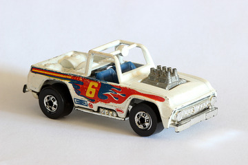 Baja Bruiser | Model Trucks