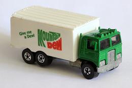 Hot wheels blackwalls hiway hauler model trucks 482dd7c2 5704 43fa b390 a1cd0f1064f2 medium