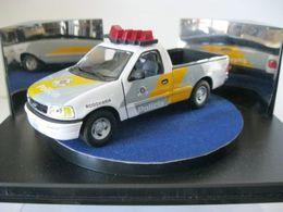Auto della polizia ford f 150 model trucks ede0ebc4 5ca4 400c 8045 895dfb0f1310 medium