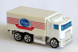 Hot wheels mainline hiway hauler model trucks 27fe614b 9aa1 49a2 80b3 ffe2312f7705 medium