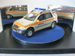 Auto della polizia mercedes benz ml w163 2001 model trucks 0b6f56b5 0525 4072 b9b2 61d2c69fec7d medium