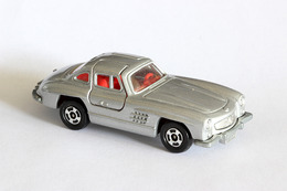 Tomica mercedes benz gullwing roadster model cars 35108755 ef64 43c0 8b7d 9c3504120824 medium