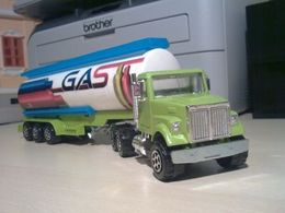 Majoteams city white road boss ii daycab tanker model trucks da153fa1 c85c 4518 a1ea eadfc4e25a54 medium