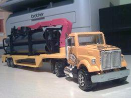 Majoteams builders white road boss ii crane truck model trucks 6938e85a 2076 4963 959c 90fd5743a524 medium