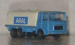 Serie 200 saviem sm tanker model trucks 96a048af a4cc 498d 9b17 b4f4bc8a1caf medium