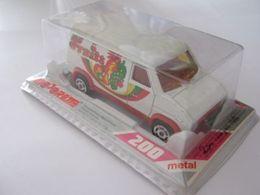 Serie 200 ford van e350 model trucks dea878e7 a769 427c afa9 9aeebdb46c4a medium