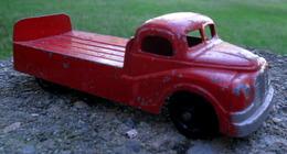Brentoys chevrolet van model trucks 50ee1a31 e595 404e 9bce 9c2a16719659 medium
