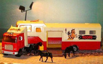 Gmc Rodeo Horse Transporter Truck Model Trucks Hobbydb