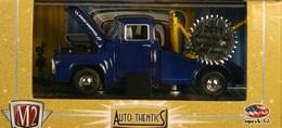 1956 Ford F-100 Tow Truck   Model Trucks
