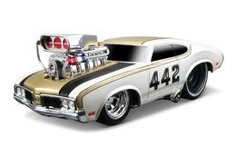 Maisto muscle machines 1970 oldsmobile 442 model cars b9e96c68 830a 4dcb 9457 de2f5368c0fc medium