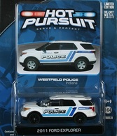 Greenlight collectibles hot pursuit%252c hot pursuit 9 2011 ford explorer model cars f90b5c41 1d35 4a9c ac7d 06c069abb097 medium