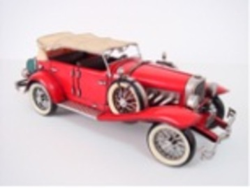 1934 Red Duesenberg J | Model Cars