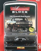 Greenlight collectibles auction block%252c auction block 13 1969 plymouth road runner model cars 24d3a952 e958 4255 93bf 172d300e324f medium