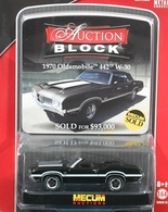 Greenlight collectibles auction block%252c auction block 14 1970 oldsmobile 442 w 30 model cars 4aba4aca 8c4a 4358 99dd 1aa1f36f1129 medium