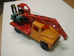 Unknown maker gaz 52 crane  model trucks c1a43401 f558 4e35 be1e e81807c45e16 medium