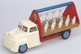 Boismanu donald duck dairy truck model trucks 28fa8c94 f0e9 44e9 91a0 aa8b8b4ee894 medium