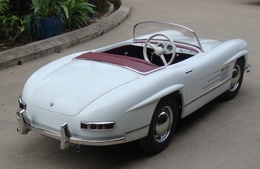 Mercedes 20benz 20300sl 20pedal 20car medium
