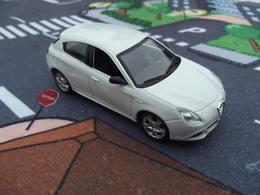 Norev jet car alfa rom%25c3%25a9o giulietta model cars fab8add5 97a6 485a 93ad fe33e5ced621 medium
