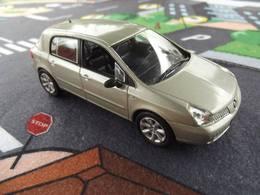 Norev voitures fran%25c3%25a7aises de collection%252c hachette renault velsatis  model cars 263775d5 85c6 4d67 95e1 0e79a79b693e medium