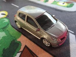 Norev mini jet%252c renault toys renault clio mk iii model cars 1de2921b 89a5 4ae3 a7d0 127731b0720d medium
