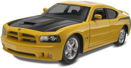 Uptown 1/25 Dodge Charger SRT8 Super Bee Custom | Model Car Kits