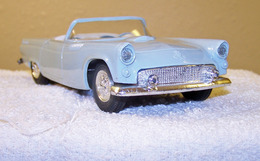 Amt 1955 ford thunderbird convertible promo model car model cars 9481b7b4 9e0f 441c 952d 587acc148a14 medium