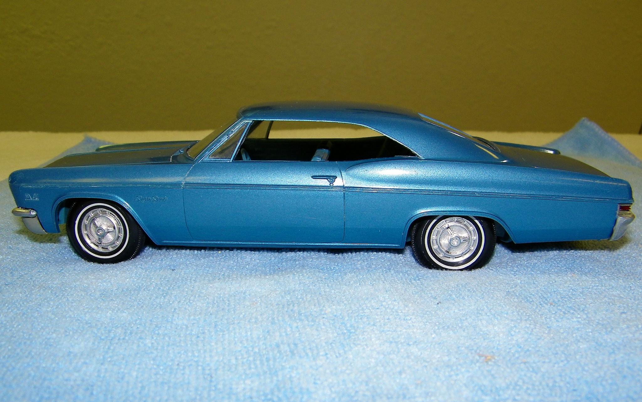 1966 chevrolet impala super sport hardtop promo model car model cars hobbydb. Black Bedroom Furniture Sets. Home Design Ideas