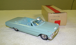Amt galaxie 500 xl 1964 ford galaxie xl convertible promo model car model cars d68bc0e4 2d2a 4944 88f0 841d35e7ee27 medium