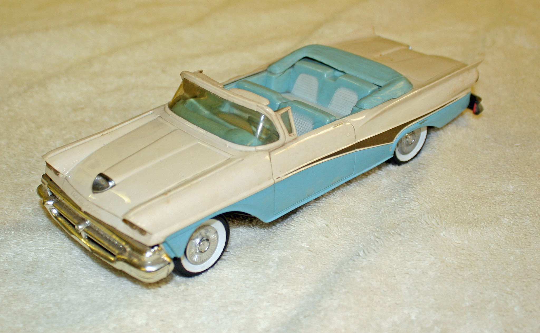 Ford Dealerships In Michigan >> 1958 Ford Fairlane 500 Sunliner Convertible Promo Model ...