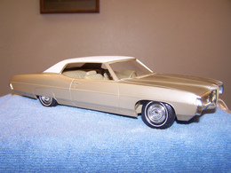 Mpc 1969 pontiac bonneville 2 door hardtop promo model car model cars e4e2f2bb f33d 4291 bb94 7095b4ab5f87 medium