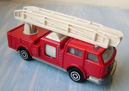 Majorette extending ladder truck model trucks 22508d97 f823 4947 84f0 15a98a1b42c3 medium