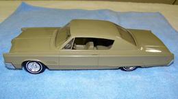 Jo han 1968 chrysler 300 hardtop promo model car  model cars 72a0c48a 80fd 400c a975 51bc26aacc00 medium
