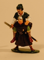 Crossing the Stream | Figures and Toy Soldiers