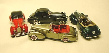 1940 Packard Darrin | Model Cars