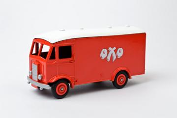 Albion Van OXO | Model Trucks
