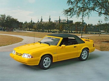 1993 Ford Mustang LX Convertible | Model Cars