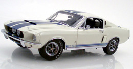 Shelby gt 500 white with blue medium