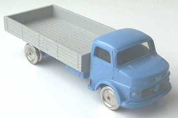 Mercedes Low Loader | Model Trucks