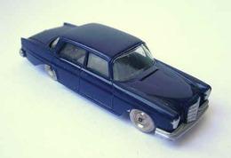 Mercedes 220S | Model Cars