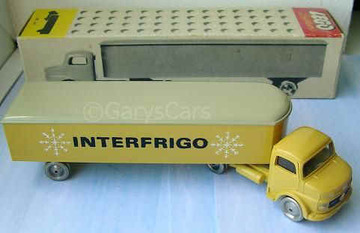 Mercedes Artic Truck with 3 Axles | Model Trucks