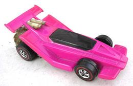 1972 flat out pink medium