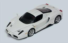 Ferrari enzo white medium