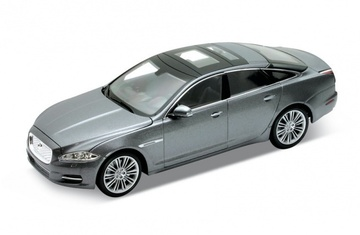 2010 Jaguar XJ | Model Cars