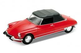 Citroen ds 19 cabriolet %2528soft top closed%2529 model cars b3f02dbb e5a7 4475 8b5c 169b3b5b4872 medium