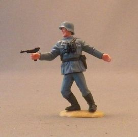 WWII German Officer | Figures and Toy Soldiers