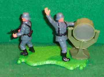 German WWII Floodlight Diorama | Figures and Toy Soldiers