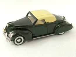 Durham classics 1938 lincoln zephyr convertible top up model cars 97ed6e14 bcc9 41c7 aeb3 8a2a50028e24 medium